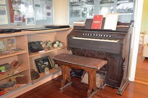 history-room-organ
